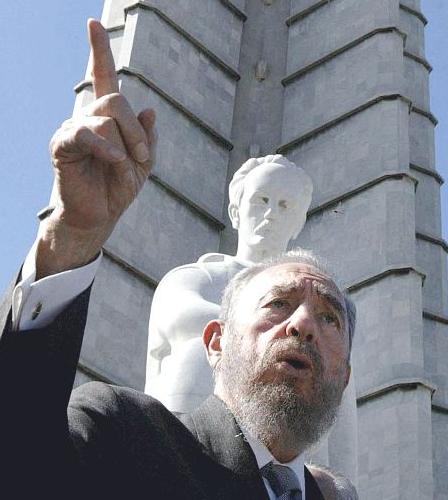 Cubas loved, hated leader dies